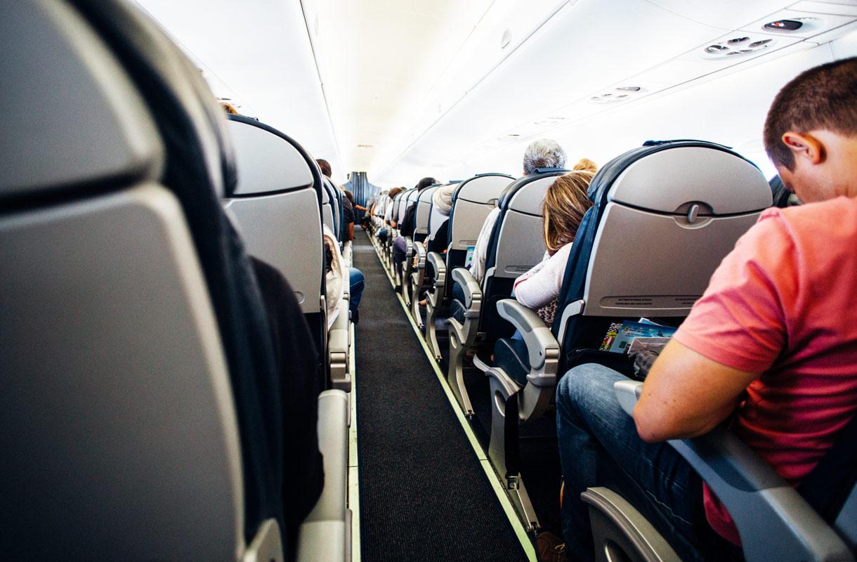 Miksi kannattaa istua lentokoneen takaosassa?