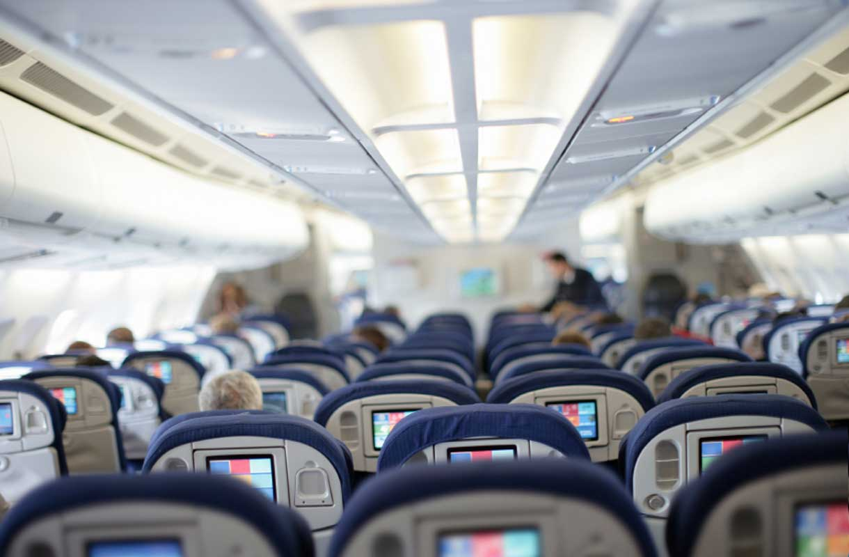 Rikkinäinen istuin lennolla voi vaihtua business-luokkaan