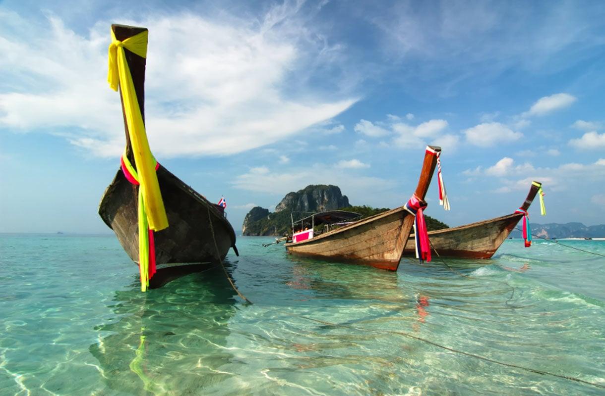 Hauskat paikalliset tavat Thaimaassa