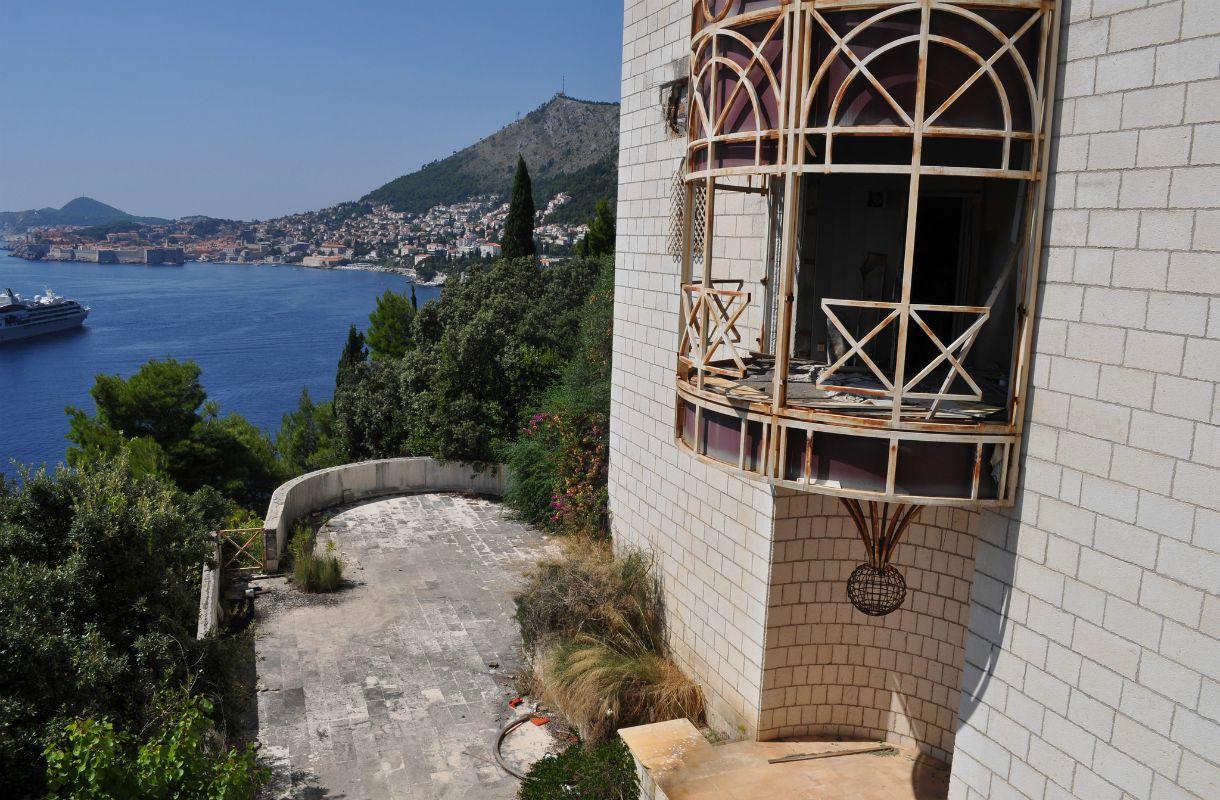 Hylätty hotelli Belvedere Kroatiassa
