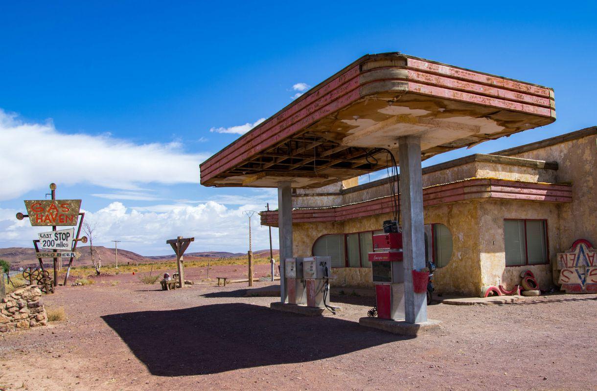 The Hills Have Eyes -elokuvan huoltoasema Marokossa