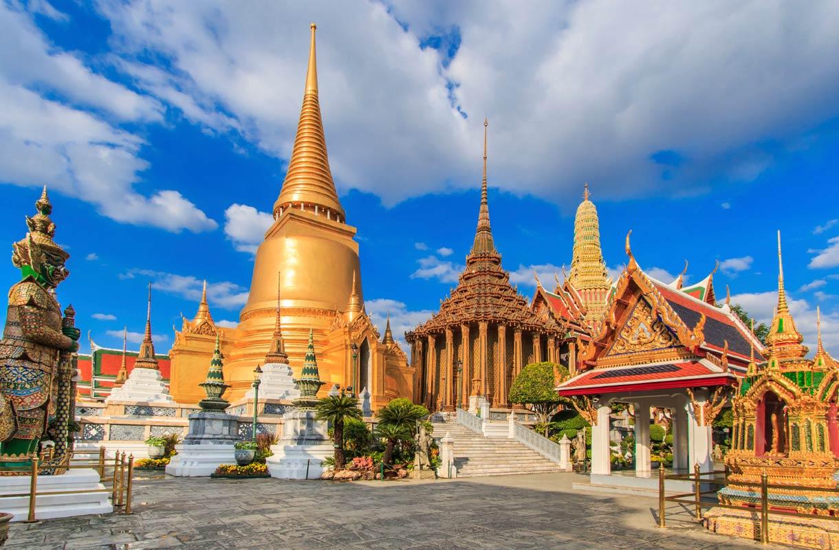 Bangkokin saaret Chao Phraya-joella