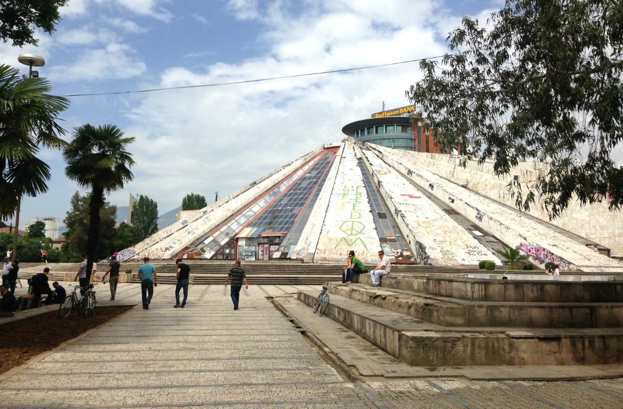 Tiranan pyramidi Albaniassa