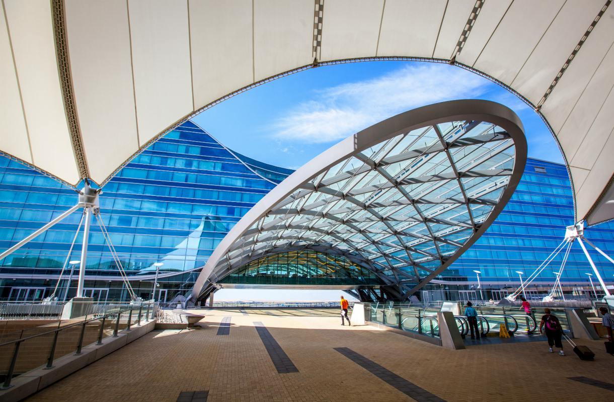 Denverin lentokenttä ja sen salaliittoteoriat