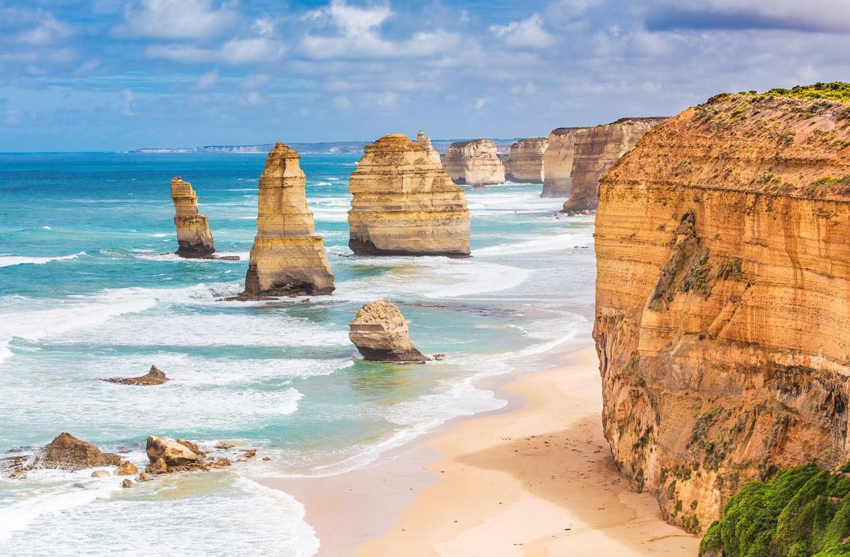 12 Apostolia, Australia