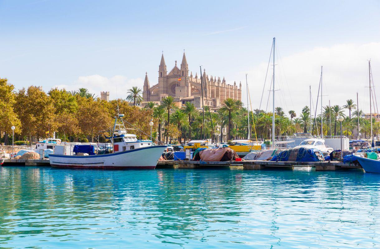 La Seun katedraalin kattoterassille pääsee vierailemaan Palmassa
