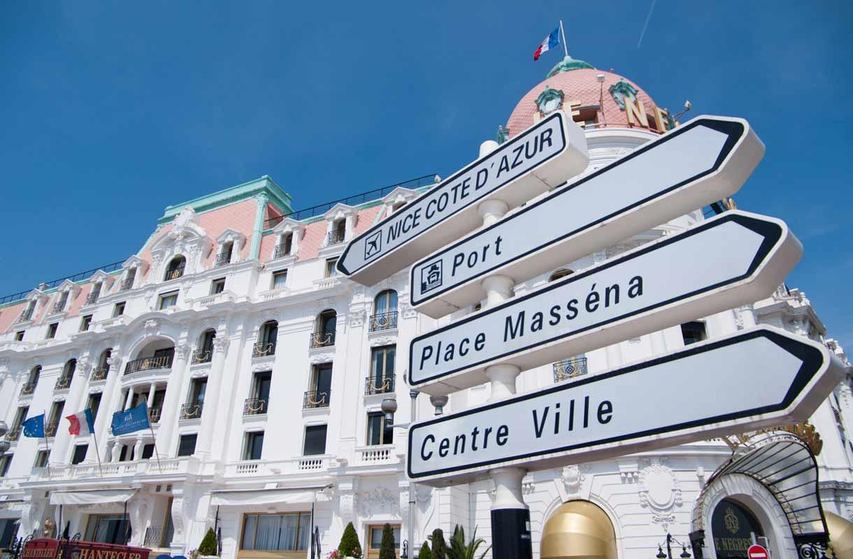 Nizzan Negresco-hotellissa on erikoinen karuselliravintola La Rotonde