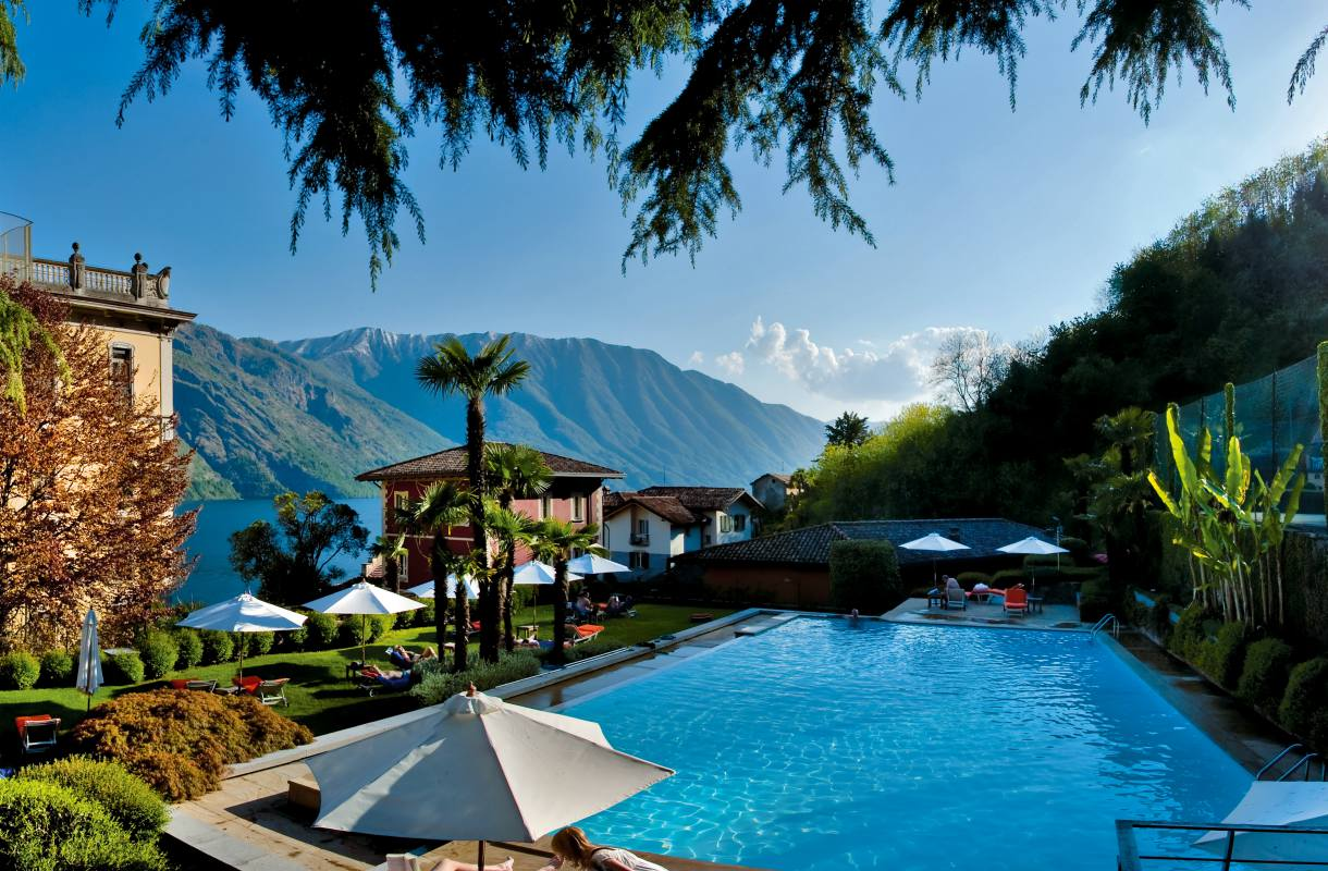 Grand Hotel Tremezzon uima-altaat Comojärvellä
