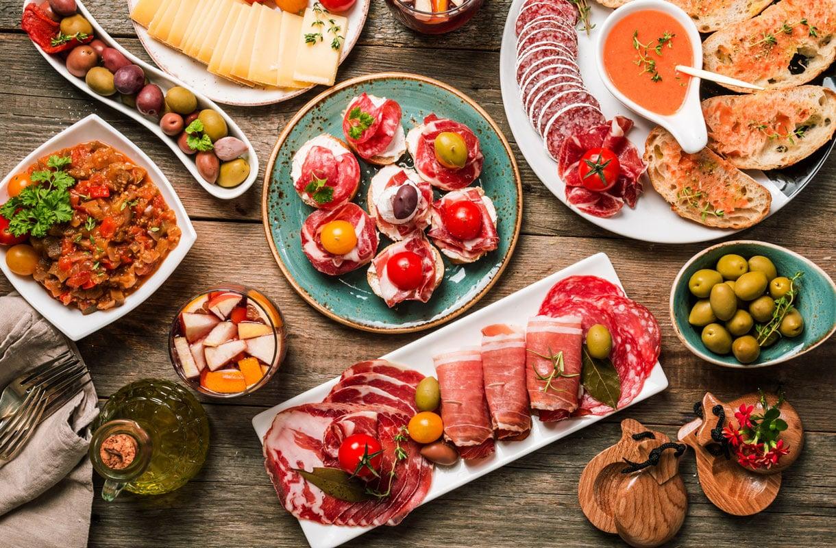 Espanjassa syödään kaikessa rauhassa isolla seurueella