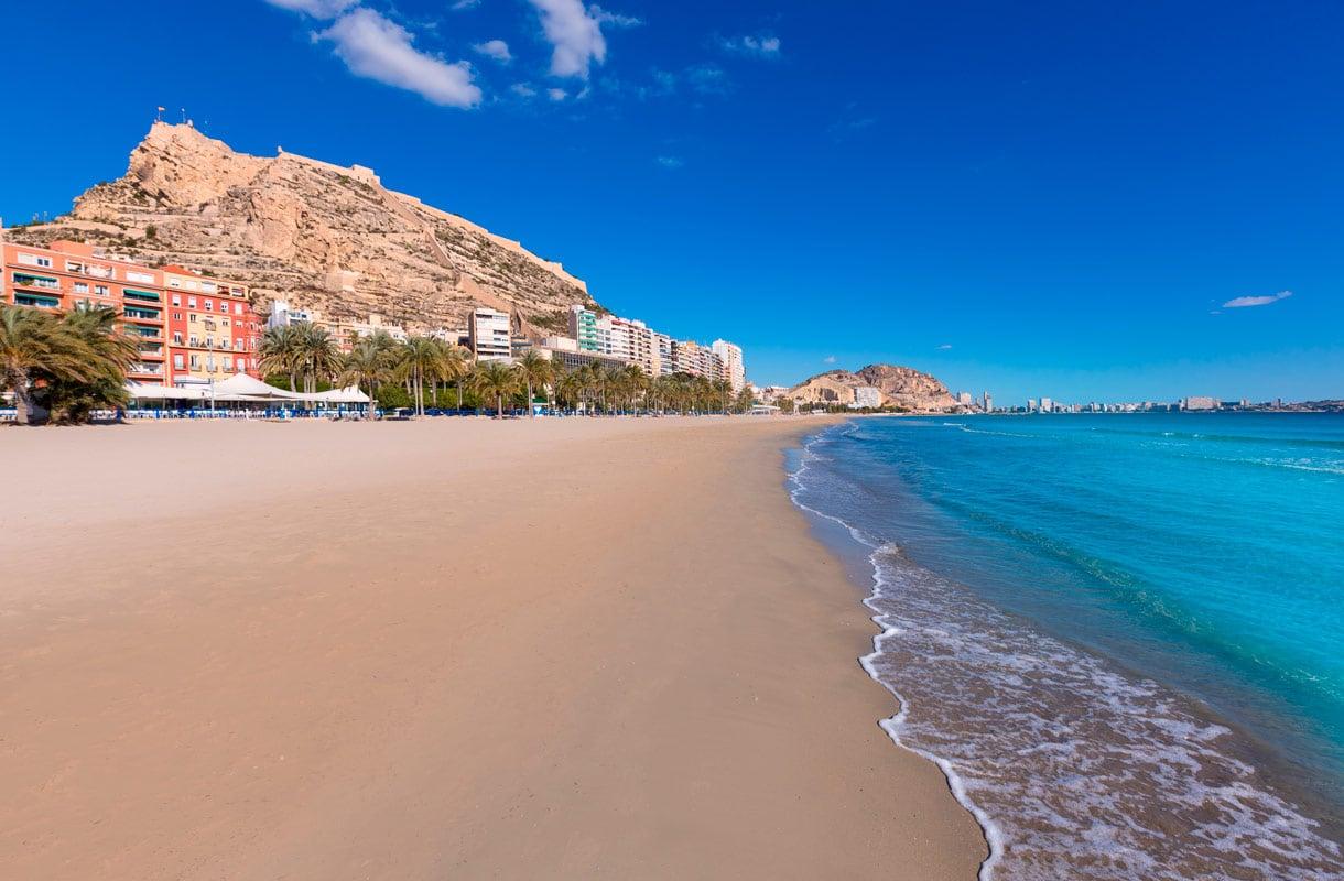 Alicante on kesäkohde, joka sopii myös talvilomalle