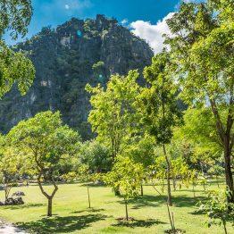 Khao Nang Phanturat, Thaimaa