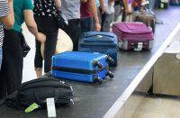 Voiko matkalaukun lukita lennolle?