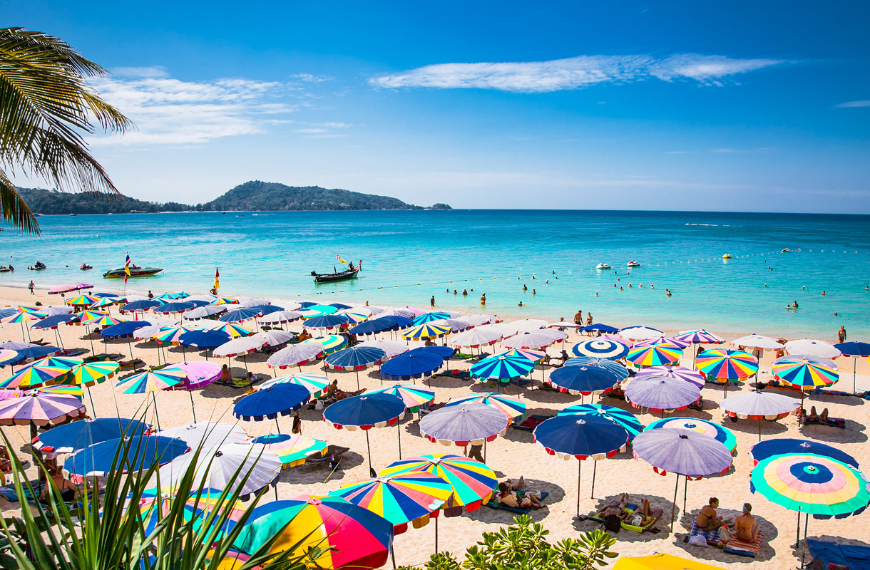 Phuketissa on yli 30 rantaa