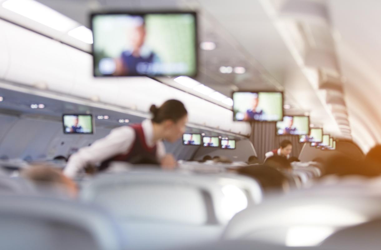 Lentoemäntien tehtäviin kuuluu fyysisesti vahvojen matkustajien löytäminen