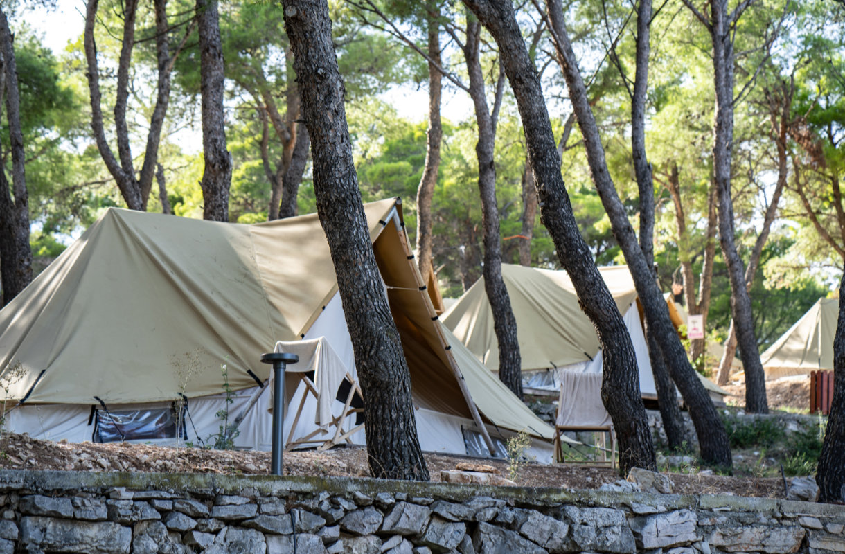 Camp Dvor, Kroatia