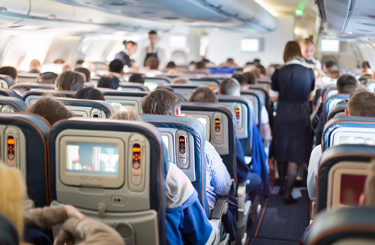 Saako lentokoneessa ottaa kuvia tai videoita?
