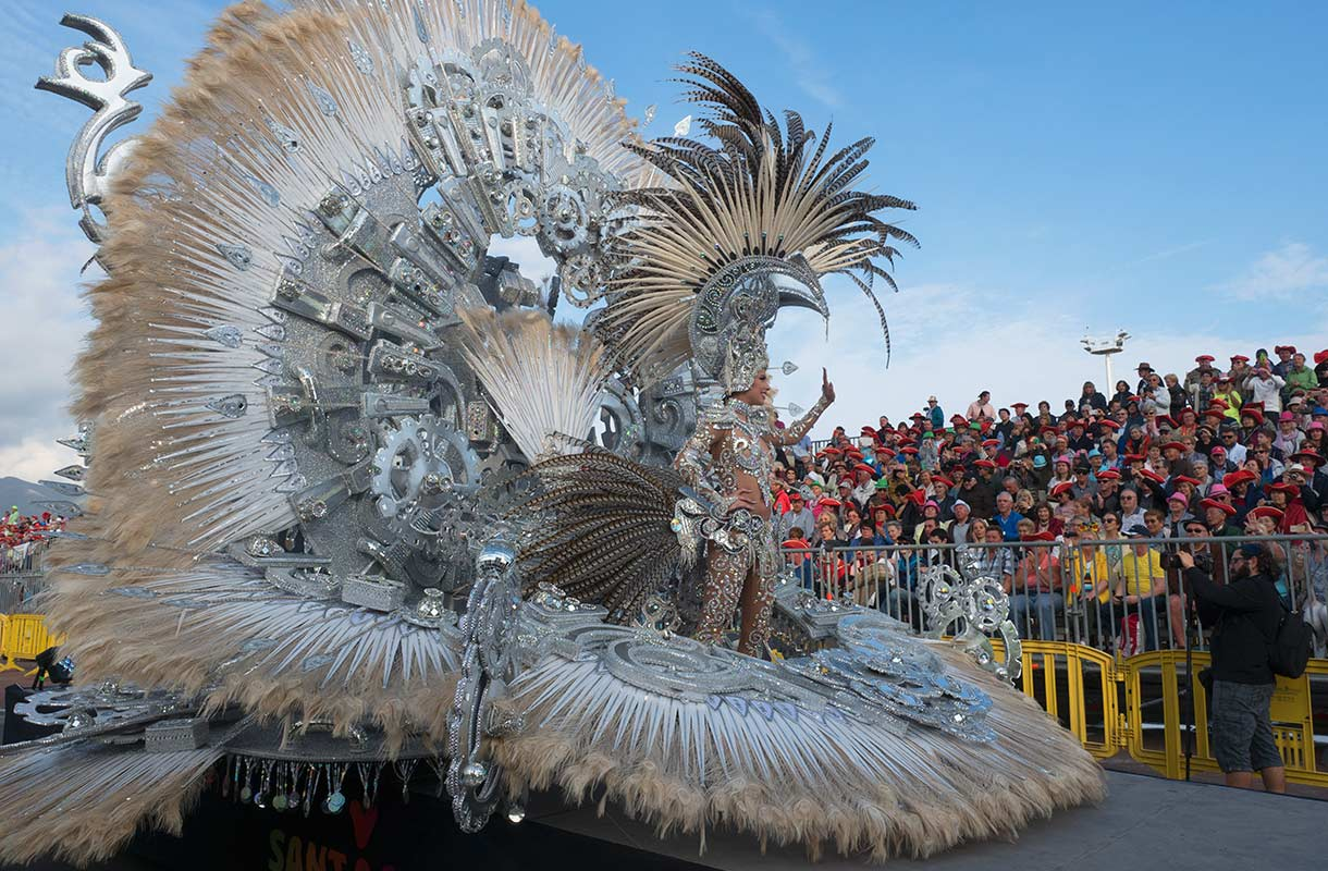 Karnevaalit Teneriffan Santa Cruzissa