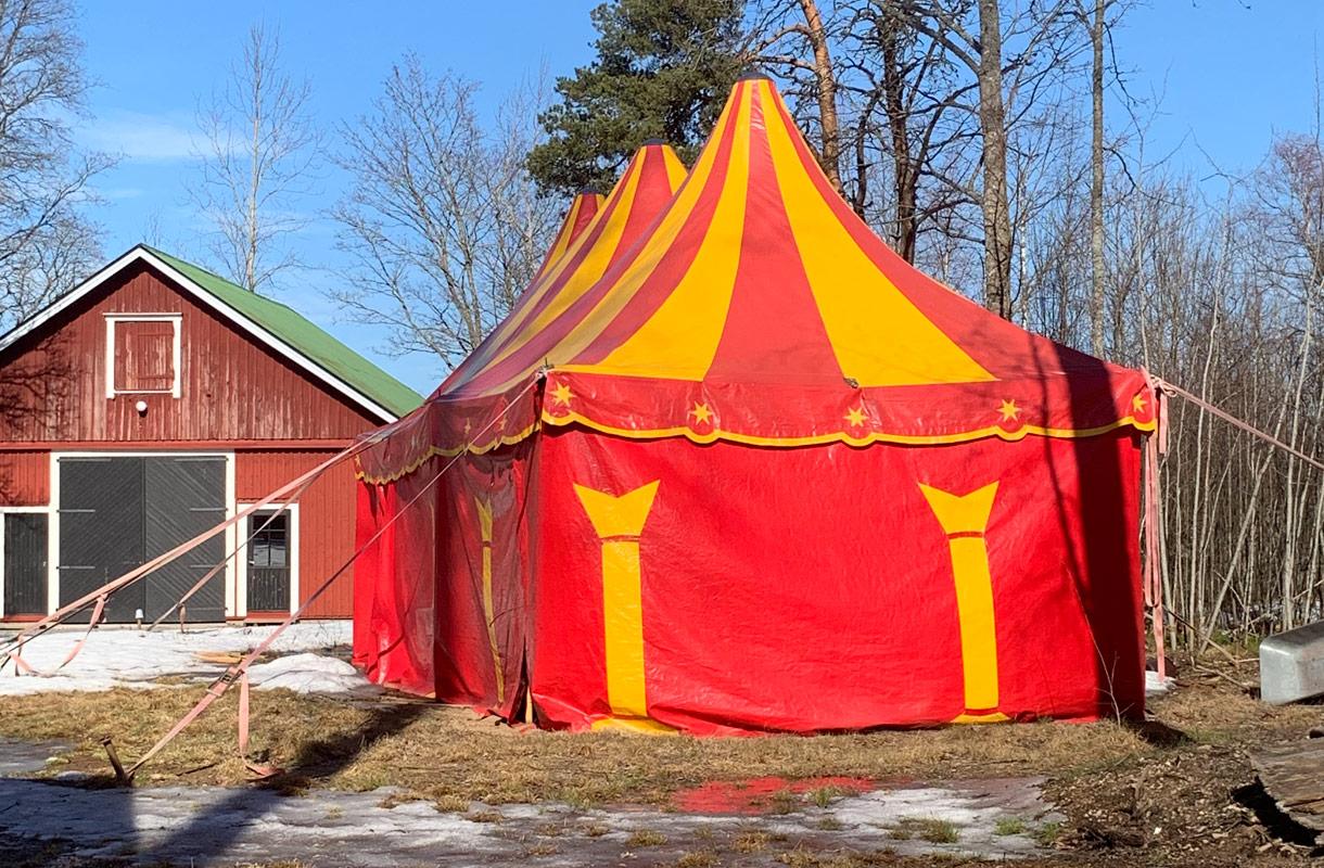 Cirkus Hostel Holken