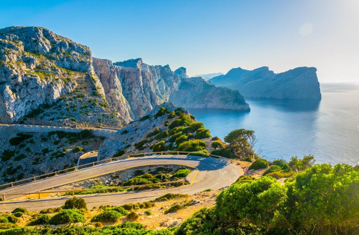 Mallorcan Formentoriin johtaa kiemurteleva tie