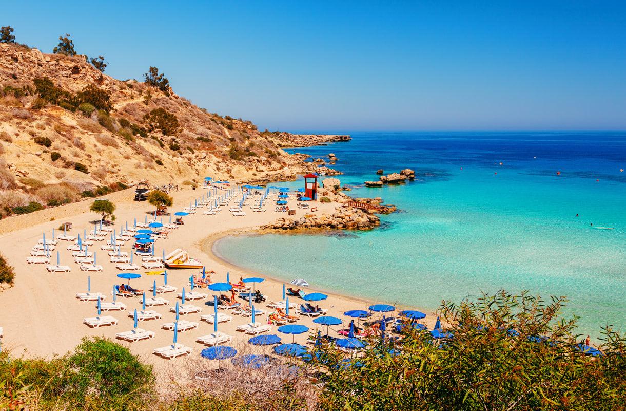 Kypros Lennot