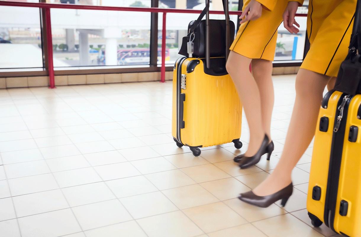 Mikä matkustamohenkilökunnan työssä on yllättävintä?