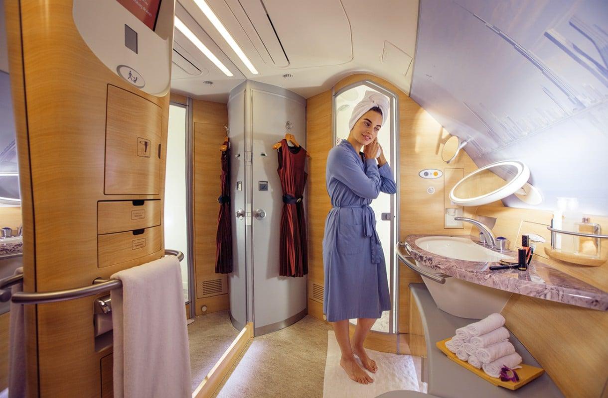 Suihku Emiratesin ykkösluokassa