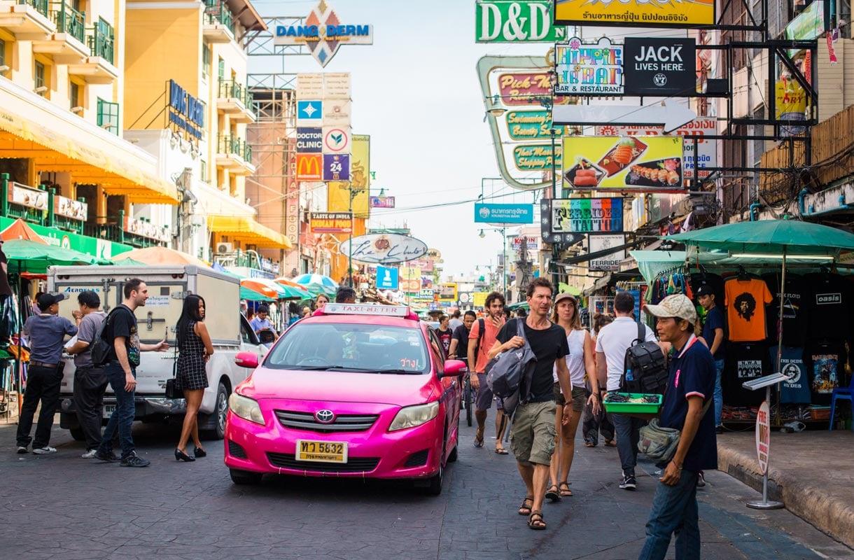 Kaukobussit Thaimaassa