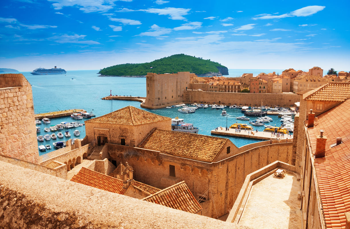 Dubrovnikissa on jo liikaa turisteja