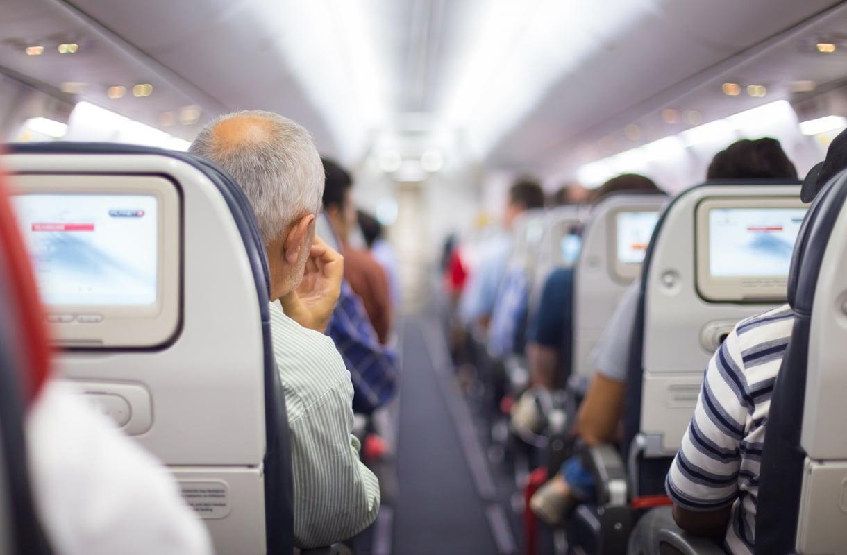 Lentokoneen istuimien yläpuolella olevat nappulat